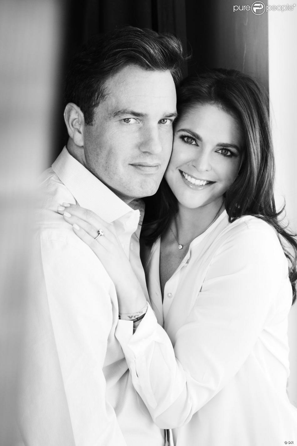 La princesse Madeleine de Suède et Christopher O'Neill photographiés par Patrick Demarchelier pour leurs fiançailles, en octobre 2012