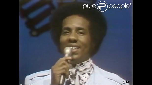 The Temptations,  Hey Girl  (1973). Richard Street, ex-membre de The Temptations de 1971 à 1993, est mort le 27 février 2013 à 70 ans. Il était l'interprète principal de grands tubes du groupe tels que  Papa was a rollin' stone  (1972).