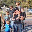 Patrick Dempsey se promène en famille avec sa femme Jillian et ses enfants, Tallulah, Sullivan et Darby, à Malibu, le 31 août 2012.