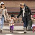 Sarah Jessica Parker en promenade avec ses deux Tabitha Hodgee et Marion Loretta sur le chemin de l'école avec la nanny de ses filles, à New York, le 4 mars 2013.