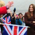 Kate Middleton, enceinte, se rend au Fishing Heritage Centre à Grimsby le 5 mars 2013.