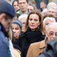 Carole Bouquet au cimetière Montparnasse pour l'inhumation de Stéphane Hessel à Paris le 7 mars 2013.