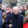 Le sociologue et philosophe Edgar Morin  au cimetière  Montparnasse  pour l'inhumation de Stéphane  Hessel   à Paris le 7 mars 2013.