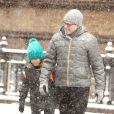 Matthew Broderick avec son fils James à New York, le 8 mars 2013.