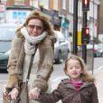 Geri Halliwell et sa fille Bluebell Madonna se promènent dans les rues du nord de Londres. Le 11 mars 2013.