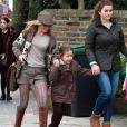 La Spice Girl Geri Halliwell et sa fille Bluebell Madonna après l'école dans les rues de Londres, le 11 mars 2013.
