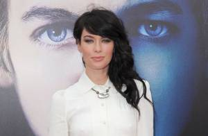 Games Of Thrones : Lena Headey et Emilia Clarke méconnaissables sur tapis rouge