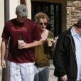 Britney Spears et son petit ami David Lucado vont prendre un café à Calabasas, le 19 mars 2013.