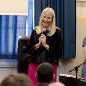 Princesse Mette-Marit : Chansons et foule de questions avec des écoliers ravis