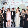 La princesse Charlene de Monaco, vêtue d'une robe Ralph Lauren, est restée couverte sur le tapis rouge du Sporting de Monte-Carlo, samedi 23 mars 2013, à son arrivée au Bal de la Rose avec le prince Albert et la princesse Caroline