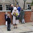 La reine Elizabeth II d'Angleterre, le duc d'Edimbourg, les princes Andrew et Edward, la comtesse Sophie de Wessex et sa fille Lady Louise, les princesses Beatrice et Eugenie d'York lors de la messe de Pâques le 31 mars 2013.