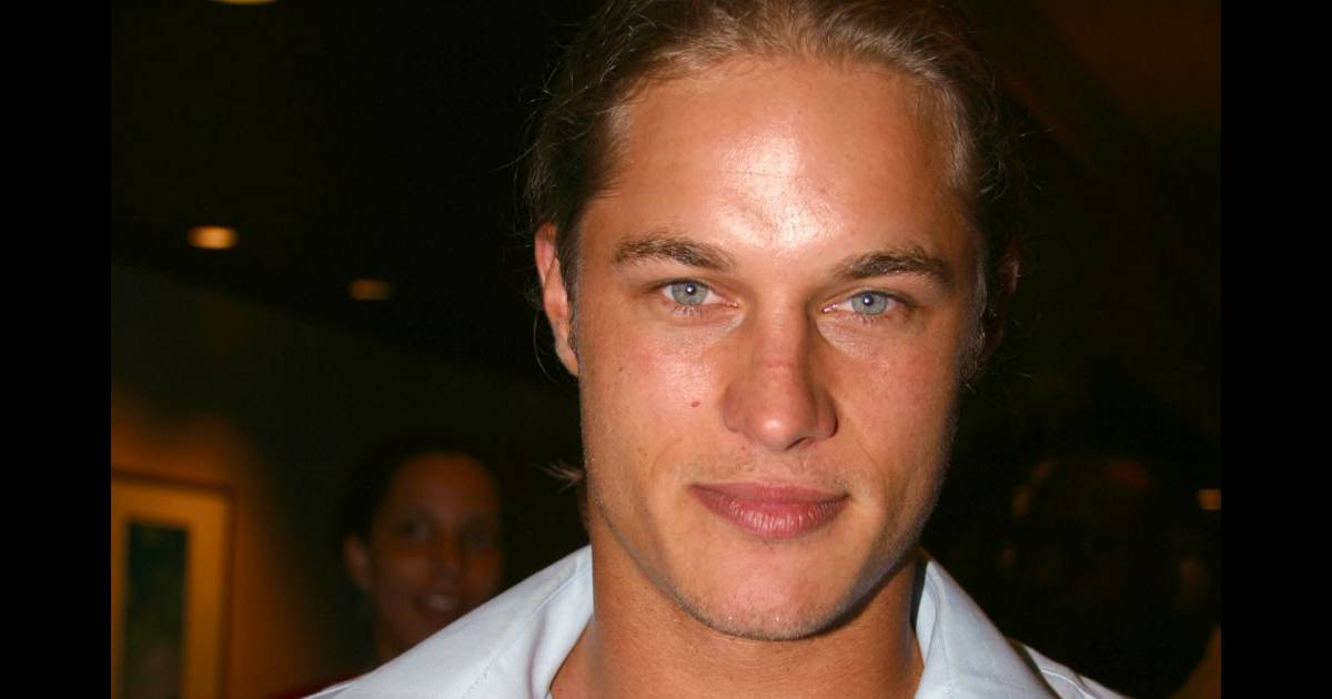 Travis Fimmel : Métamorphosé, l'acteur sexy adopte un look ...