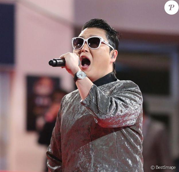 Psy à la 14e édition des NRJ Music Awards au Palais des Festivals à Cannes, le 26 janvier 2013.