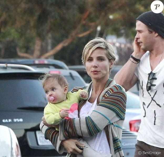 Elsa Pataky et Chris Hemsworth et leur fille India à Venice (Californie), le 31 mars 2013.