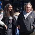 Gérard Depardieu va dejeuner avec sa fille Roxane à New York, le 5 avril 2013 alors qu'il etait convoqué le même jour au tribunal à Paris pour conduite en etat d'ivresse.