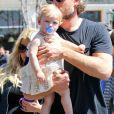 La jolie Jessica Simpson, son fiancé Eric Johnson et leur petite Maxwell dans les rues de Calabasas ce samedi 6 avril 2013.