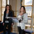 Charlotte Valandrey a été faite Chevalier De L'Ordre Des Arts Et Des Lettres par la ministre de la culture, Aurélie Filippetti, à Paris, le 10 avril 2013