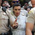 Kim Kardashian, enceinte et visiblement très énervée à la sortie du tribunal Stanley Mosk de Los Angeles dans le cadre de la procédure de divorce avec Kris Humphries, le 12 avril 2013