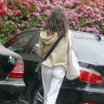 Exclusif - Lara Flynn Boyle va faire ses courses a Beverly Hills, le 14 avril 2013. Lara Flynn Boyle devoile un corps squelettique et un cuir chevelu dégarni, symptômes des problèmes de poids et de la lutte contre l'anorexie qu'elle a subi dans le passe.