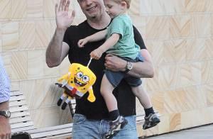 John Travolta : Papa relax à Sydney, balade ensoleillée avec son fils Benjamin