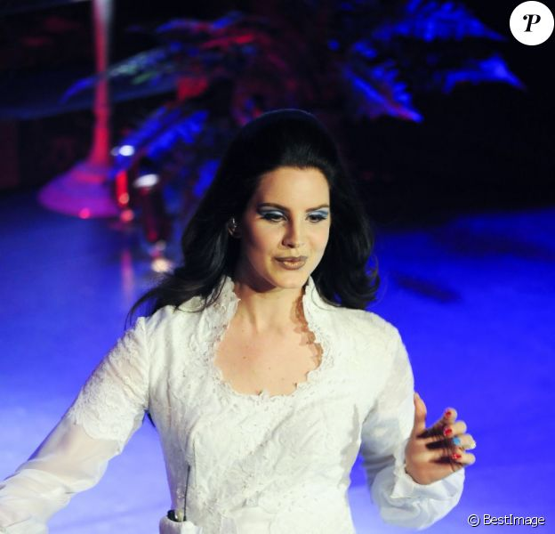 Lana Del Rey en concert à l'Olympia à Paris, le 27 avril 2013 dans le cadre de son Paradise Tour.