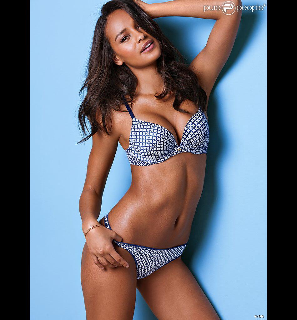 Gracie Carvalho pose pour Victoria's Secret.