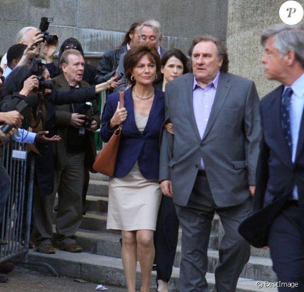 """Gerard Depardieu et Jacqueline Bisset sur le tournage du film """"The June Project d'Abel Ferrara à New York le 3 mai 2013."""