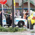 """Pendant que Jennifer Lopez donnait une interview à Fort Lauderdale pour l'émission """"Entertainment Tonight"""" après le tournage de son clip, des coups de feu ont retenti. La police a procédé à des arrestations. Le 5 mai 2013."""