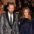 Alasdhair Willis et sa femme Stella McCartney assistent au gala Punk : Chaos to Couture du Costume Institute au Metropolitan Museum of Art. New York, le 6 mai 2013.