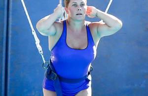 Nicole Eggert : L'ex d'Alerte à Malibu rate son dernier plongeon dans Splash