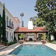 L'acteur américain Kelsey Grammer a vendu sa jolie maison de Beverly Hills, pour la somme de 6,7 millions de dollars.