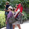 L'actrice Selma Blair a emmené son fils Arthur Bleick au zoo à Los Angeles, le 9 mai 2013.