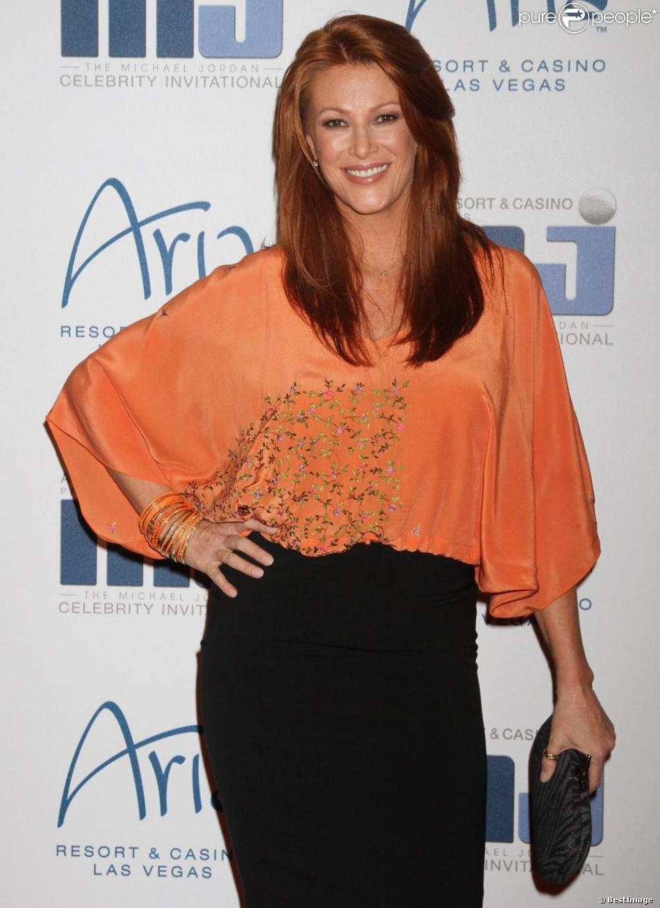 Angie Everhart en mars 2012 à Los Angeles