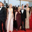 Tobey Maguire, Leonardo DiCaprio, Carey Mulligan, Catherine Martin, Baz Luhrmann, Elizabeth Debicki, Isla Fisher et Joel Edgerton à la montée des marches de Gatsby le Magnifique en cérémonie d'ouverture du Festival de Cannes, le 15 mai 2013.
