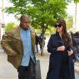Kim Kardashian et Kanye West se promènent à New York, le 6 mai 2013.