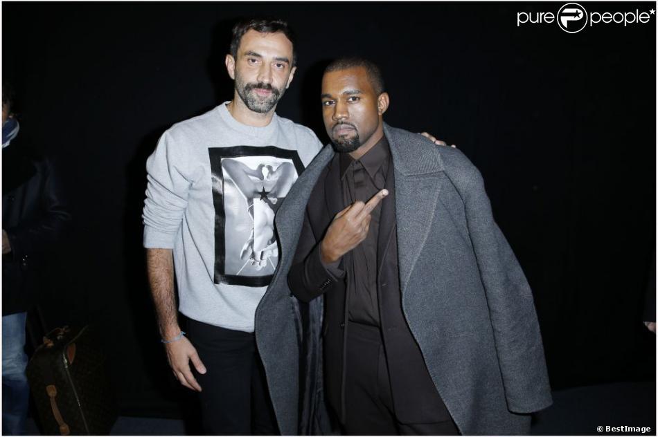 Riccardo Tisci et Kanye West lors du dernier défilé homme de Givenchy à Paris, le 18 janvier 2013.