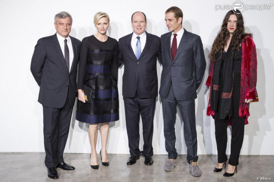 Sidney Toledano, la princesse Charlene et le prince Albert de Monaco, Andrea Casiraghi et Tatiana Santo Domingo posent au défilé de la collection Croisière Christian Dior au port de Fontvieille, à Monaco, le 18 mai 2013.
