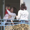 Aishwarya Rai et sa fille Aaradhya à l'Hôtel Martinez, à Cannes le 19 mai 2013.