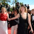Valeria Bruni-Tedeschi, Marisa Borini lors de la montée des marches du film Un château en Italie au Festival de Cannes le 20 mai 2013