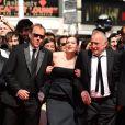 Xavier Beauvois, Céline Salette et André Wilms lors de la montée des marches du film Un château en Italie au Festival de Cannes le 20 mai 2013