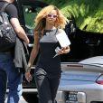 Exclusif - Rihanna arrive à un studio d'enregistrement à Long Beach, près de Los Angeles. Le 20 mai 2013.