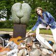 """Marie-Laure de Villepin, sculptrice sous le nom de Marie-Laure Viébel - Vernissage de l'exposition """"Galopec ou les sept péchés capitaux à l'Espace Culturel Marc Jacquet à Barbizon, le 25 mai 2013."""