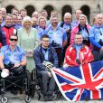 Camilla Parker Bowles en visite à l'Hôtel des Invalides, le 28 mai 2013 à Paris, à la rencontre de blessés de guerre et anciens combattants au départ de la Help for Heroes Big Battlefield Bike Ride.