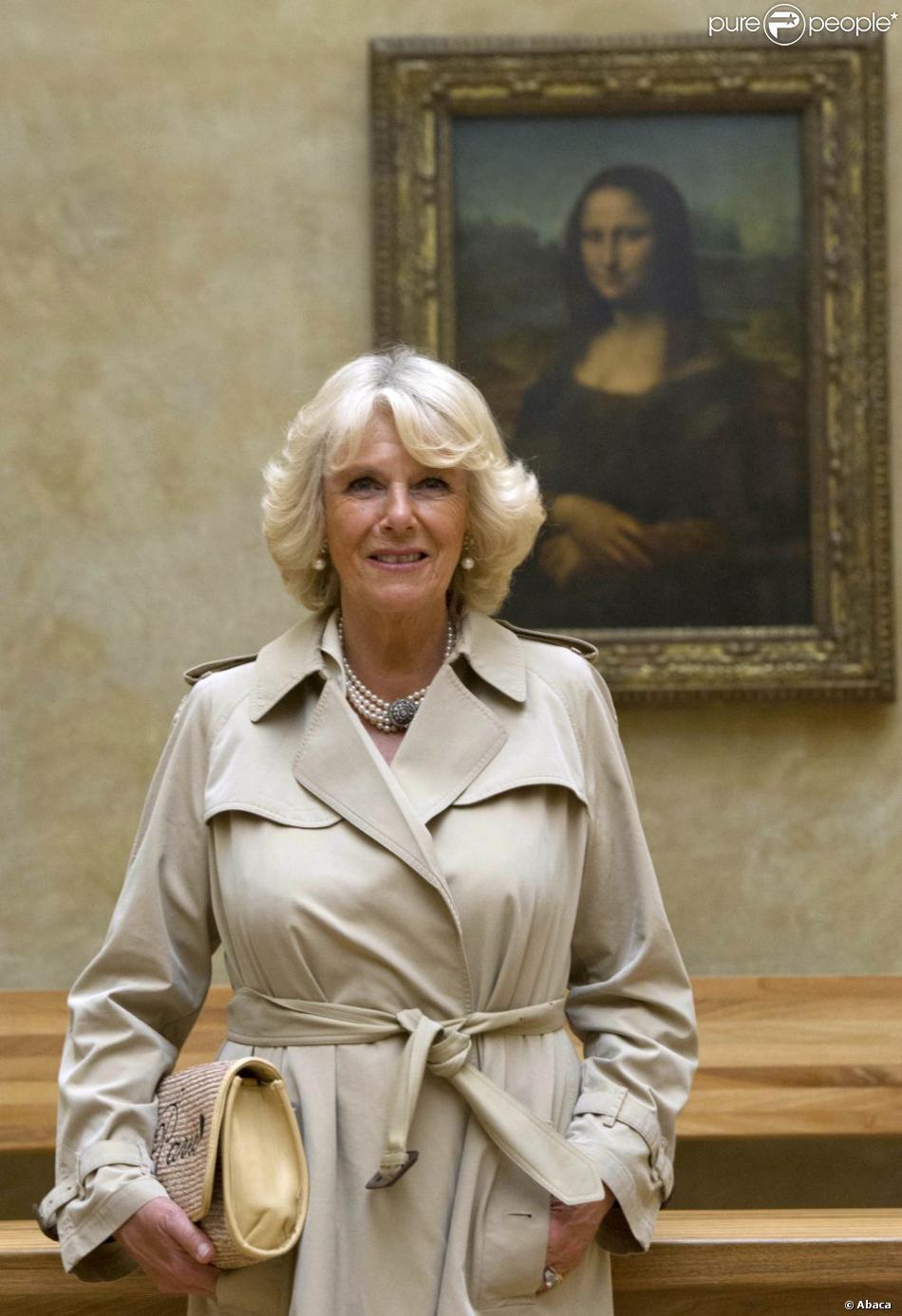 Camilla Parker Bowles, qui a pris bien soin de ne pas se mettre devant La Joconde, a pu savourer une visite privée du Musée du Louvre, mardi 28 mai 2013 lors de la fermeture hebdomadaire de l'établissement, avant de reprendre l'Eurostar pour rentrer à Londres après sa visite de deux jours.
