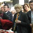 Claire Bretécher, Manuel Valls et Valérie Trierweiler lors de l'enterrement du constitutionnaliste Guy Carcassonne au cimetière de Montmartre le 3 juin 2013
