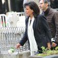 Anne Sinclair lors de l'enterrement du constitutionnaliste Guy Carcassonne au cimetière de Montmartre le 3 juin 2013