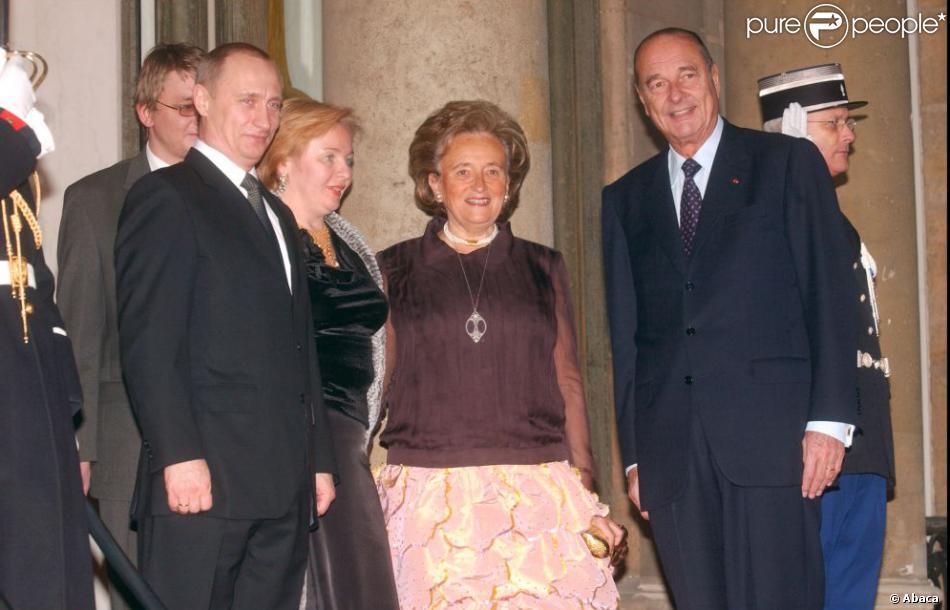 vladimir poutine sa femme lioudmila avec le pr sident fran ais jacques chirac en 2003. Black Bedroom Furniture Sets. Home Design Ideas