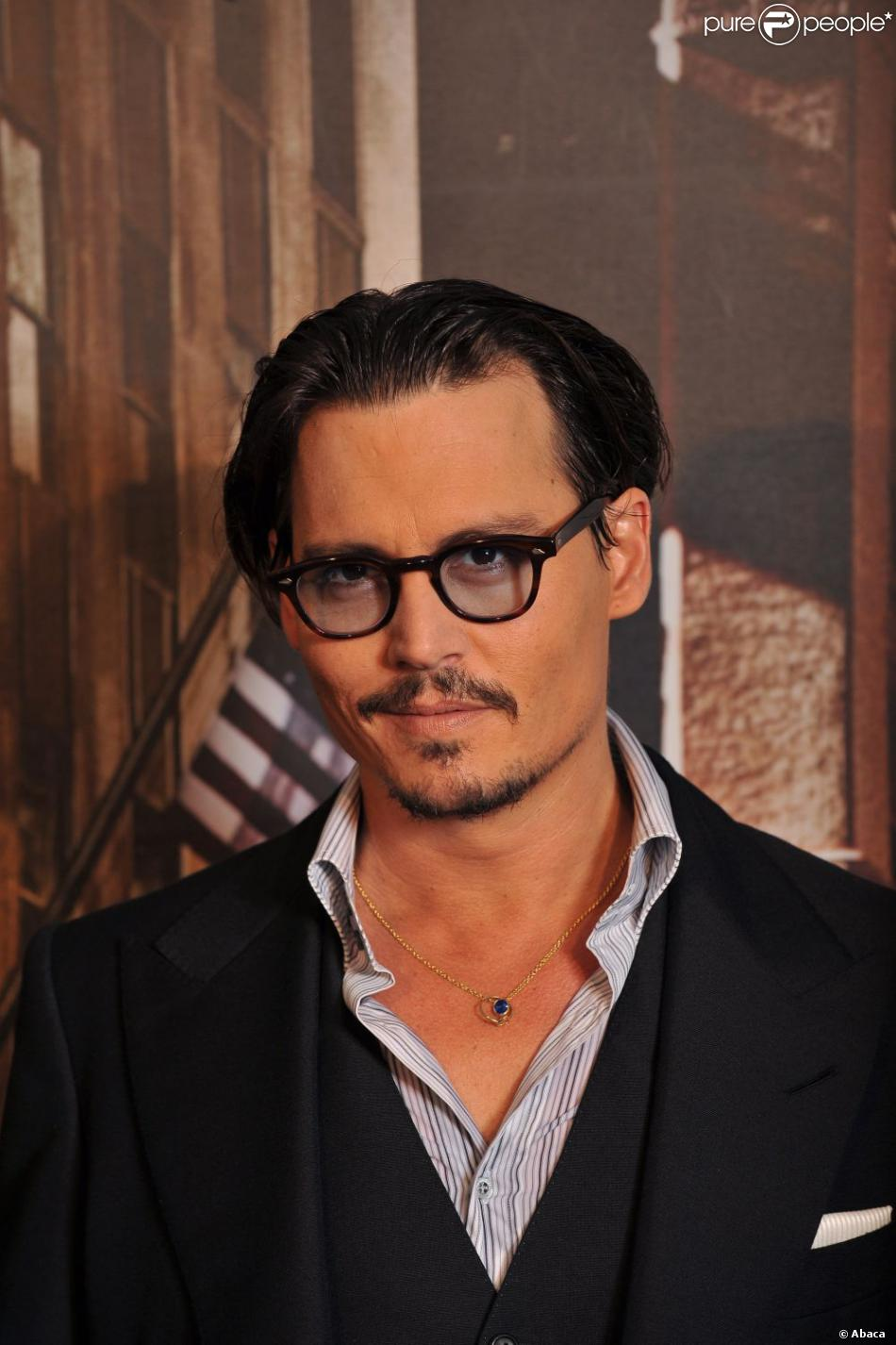 Cast member Johnny Depp arriving for the French premiere of 'Public Enemies' at Cinema Gaumont Marignan in Paris, France on July 2, 2009. Photo by Thierry Orban/ABACAPRESS.COM03/07/2009 - Paris
