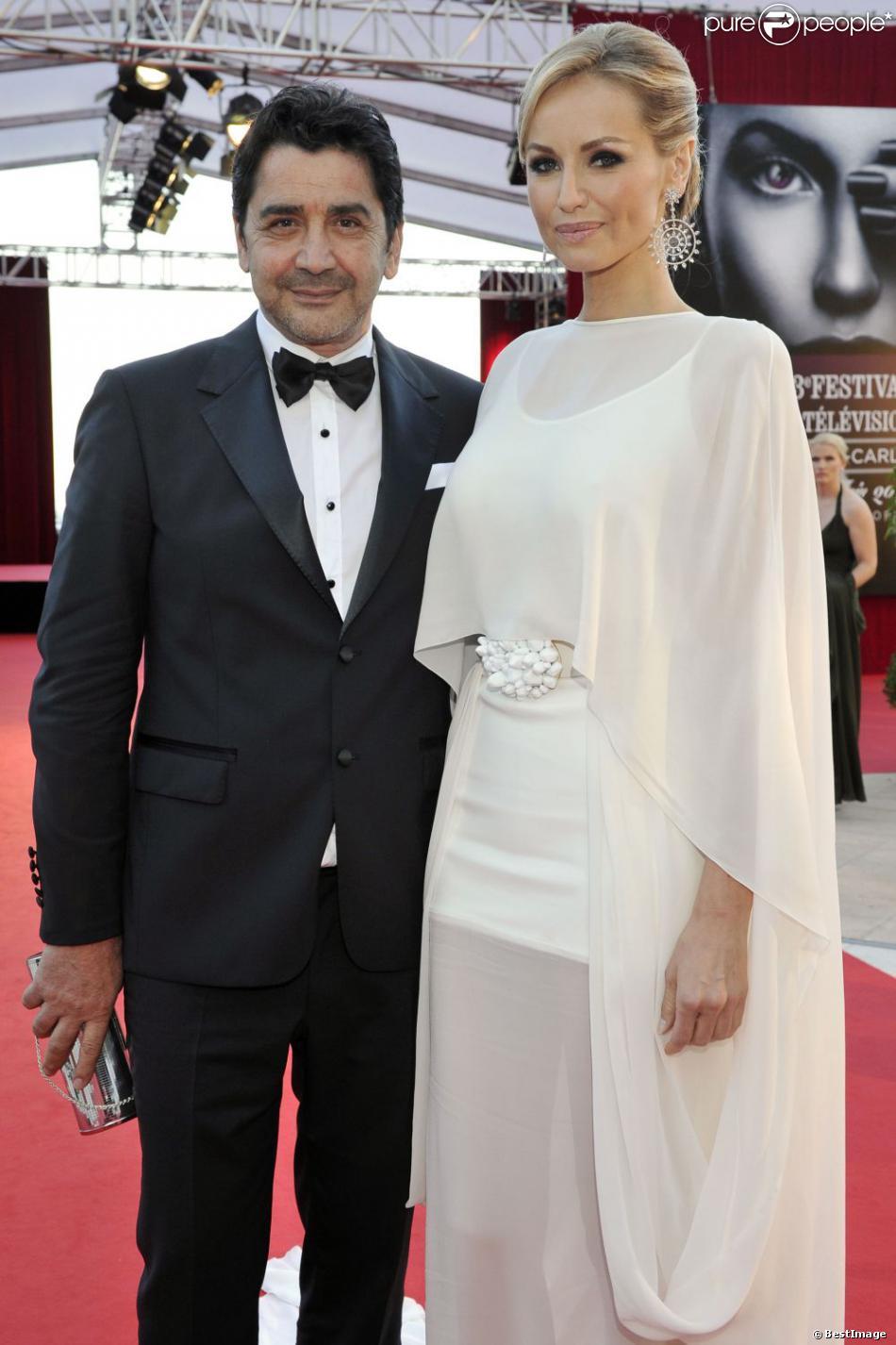 La superbe Adriana Karembeu et son compagnon André Ohanian à la cérémonie de remise de récompenses du 53e Festival de Télévision de Monte-Carlo au Grimaldi Forum, le 13 juin 2013.