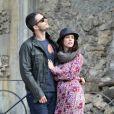 Premières photos de l'actrice Jennifer Love Hewitt, enceinte avec son fiancé Brian Hallisay lors d'une promenade romantique à Florence, le 31 mai 2013. Quel beau couple